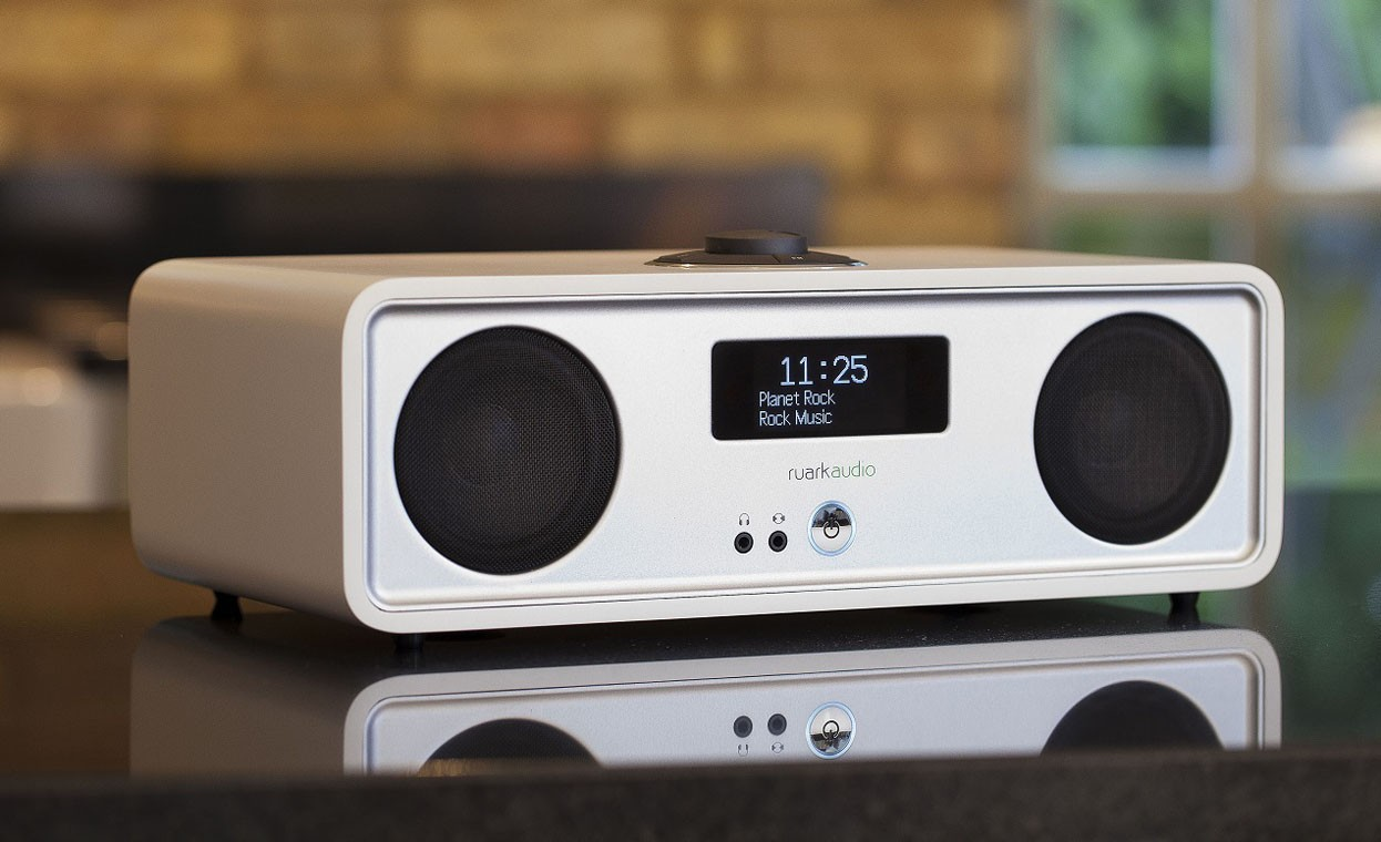 ruark audio r2 mk3 dab fm internet radio with bluetooth at. Black Bedroom Furniture Sets. Home Design Ideas